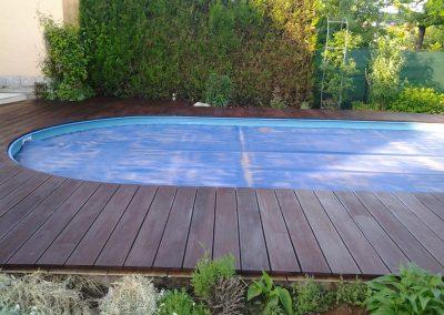 Massaranduba okolo bazéna